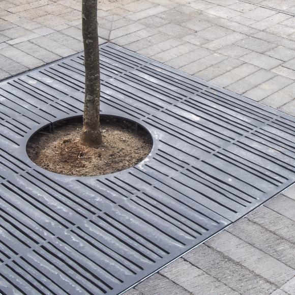 Tree Grilles Black & Grey