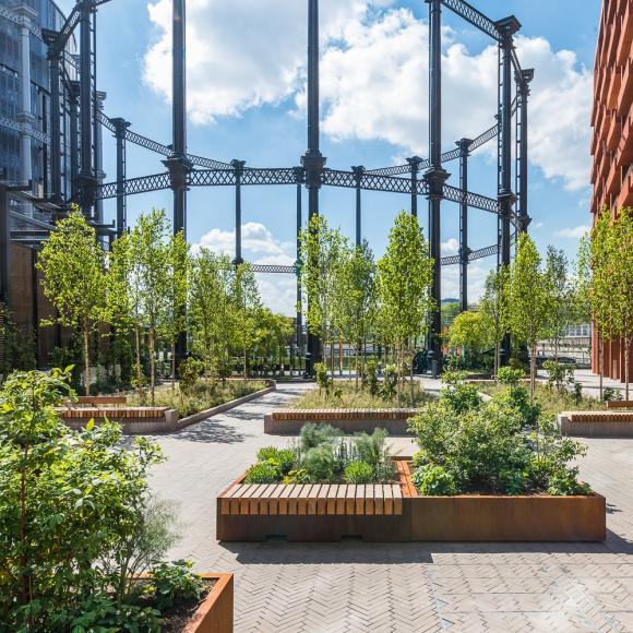 Mobilier urbain - Tree Isle - Big Green Bench, London (UK)