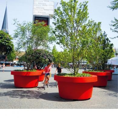 Straat meubilair - Boombakken - Megabloempotten, Hengelo (NL)