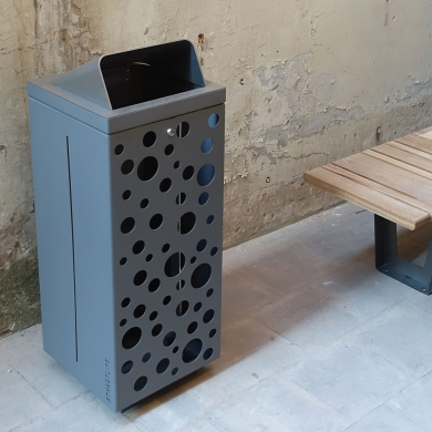 Straßenmöbel - Papierkorb - Box Bin Extra Slim, Leiden (NL)