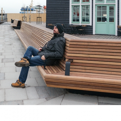 Straßenmöbel - Cliffhanger Bench, Helsingborg (SE)